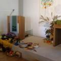 Dekoration der Kirche mit den Erntegaben